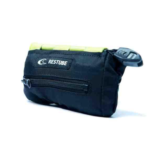 RESTUBE versteckt sich bis zu seinem Einsatz in einer smarten Tasche